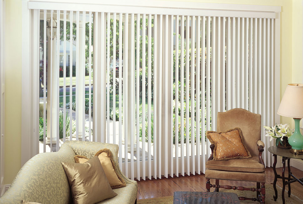 venetian blinds, curtains, curtains in window, curtain in condo, curtains in condominiums