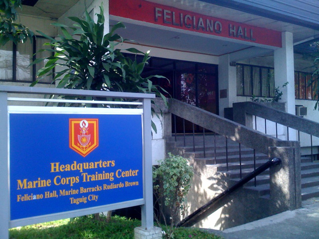 Folding Door At Fort Bonifacio Taguig City