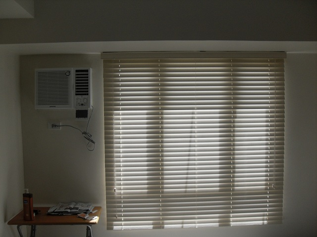 Moisture and Heat Resistant Fauxwood Blinds Good for Kitchen and Bathroom Use