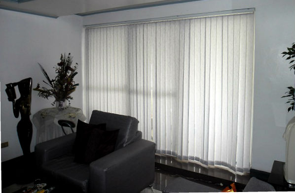 Fabric Vertical Blinds Installation for Sliding Glass Door of Patio Room