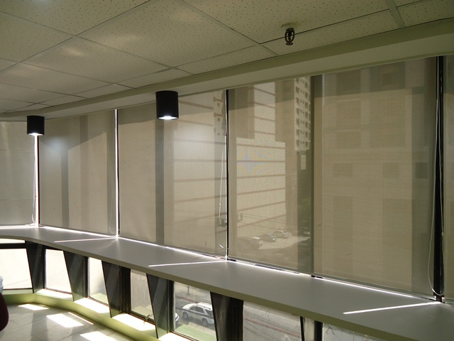 Roller Shades / Roller Blinds: F1302 Beige
