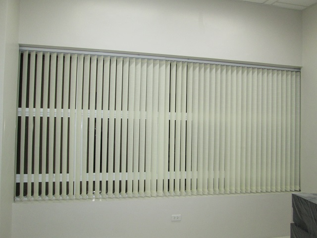 Fabric Vertical Blinds: Ivory 929