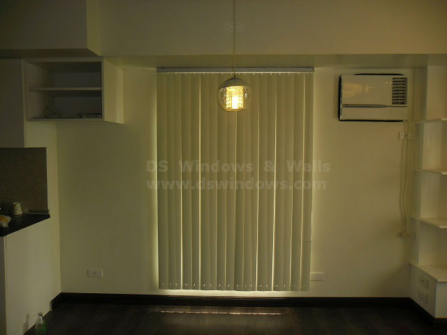 PVC Vertical Blinds as Lightweight and Waterproof