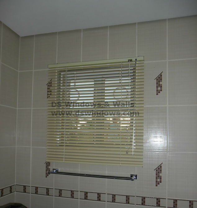 Mini Venetian Blinds for Bathroom Window