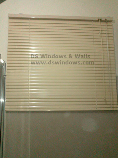 DSC 1053 Aluminum Mini Blinds for Bathroom and Kitchen – Shaw Boulevard, Mandaluyong City