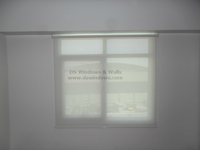 Roller Blinds with Sunscreen Material