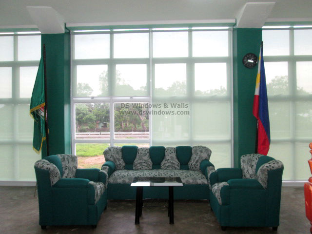 Sunscreen Roller Shades For School Lounge