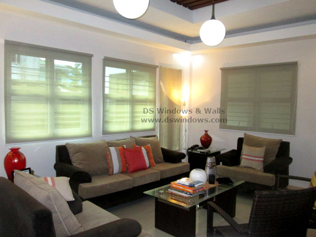 Aluminum Venetian and Roller Blinds Installed in Living Room