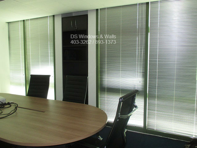 Office Conference Room Close Door Meeting Privacy Blinds