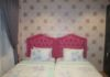 Wallpaper floral design bedroom